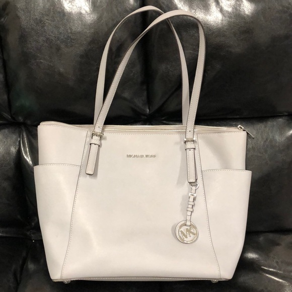 a7cb67b6136f Michael Kors Bags | Jet Set Large Topzip Saffiano Leather Tote ...